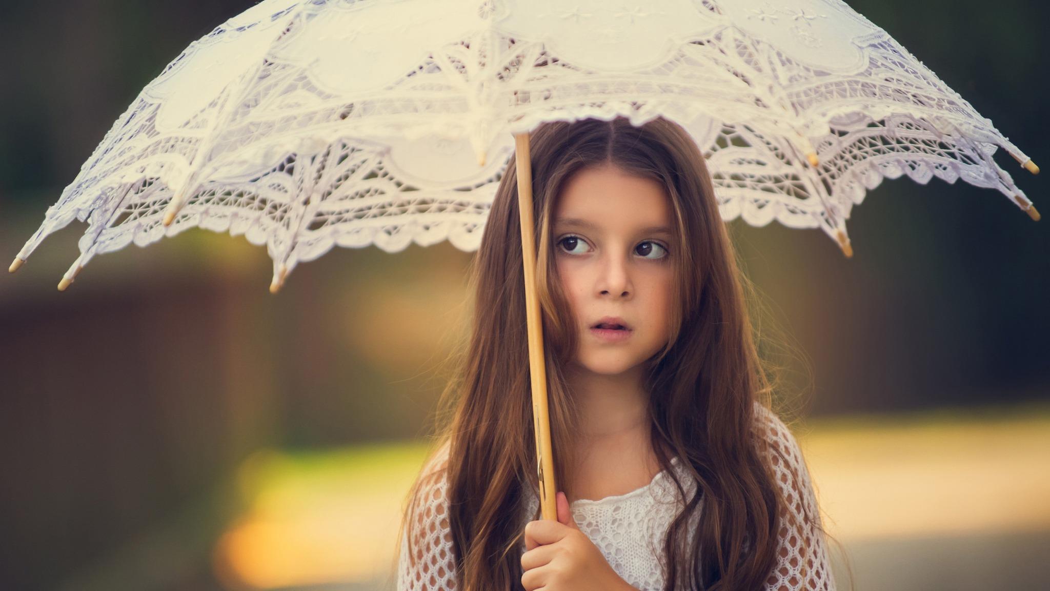 little-girl-with-umbrella-ff.jpg