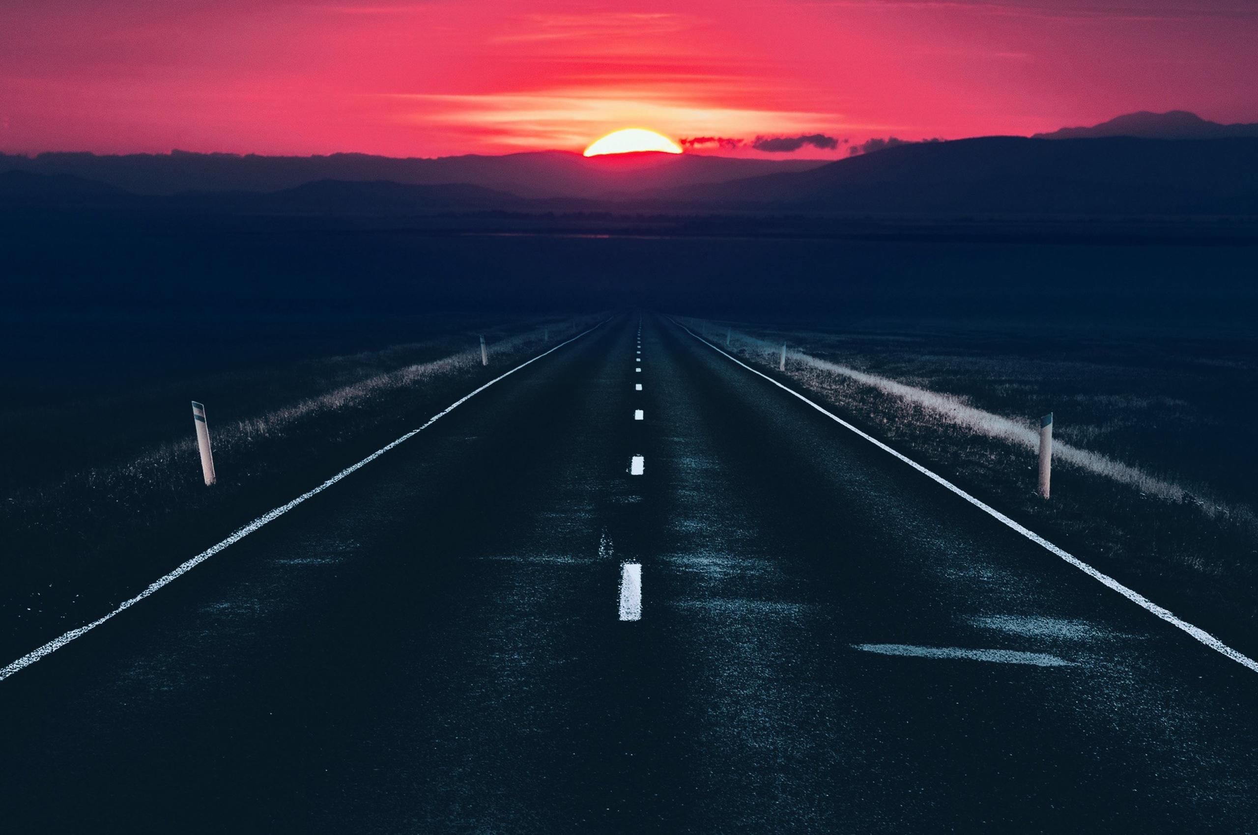 long-alone-dark-road-sunset-view-z7.jpg