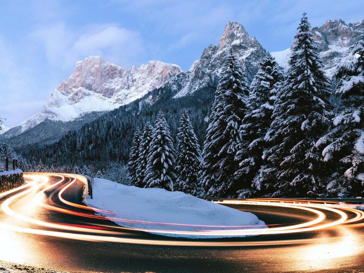 long-exposure-road-timelapse-winter-5k-ss.jpg