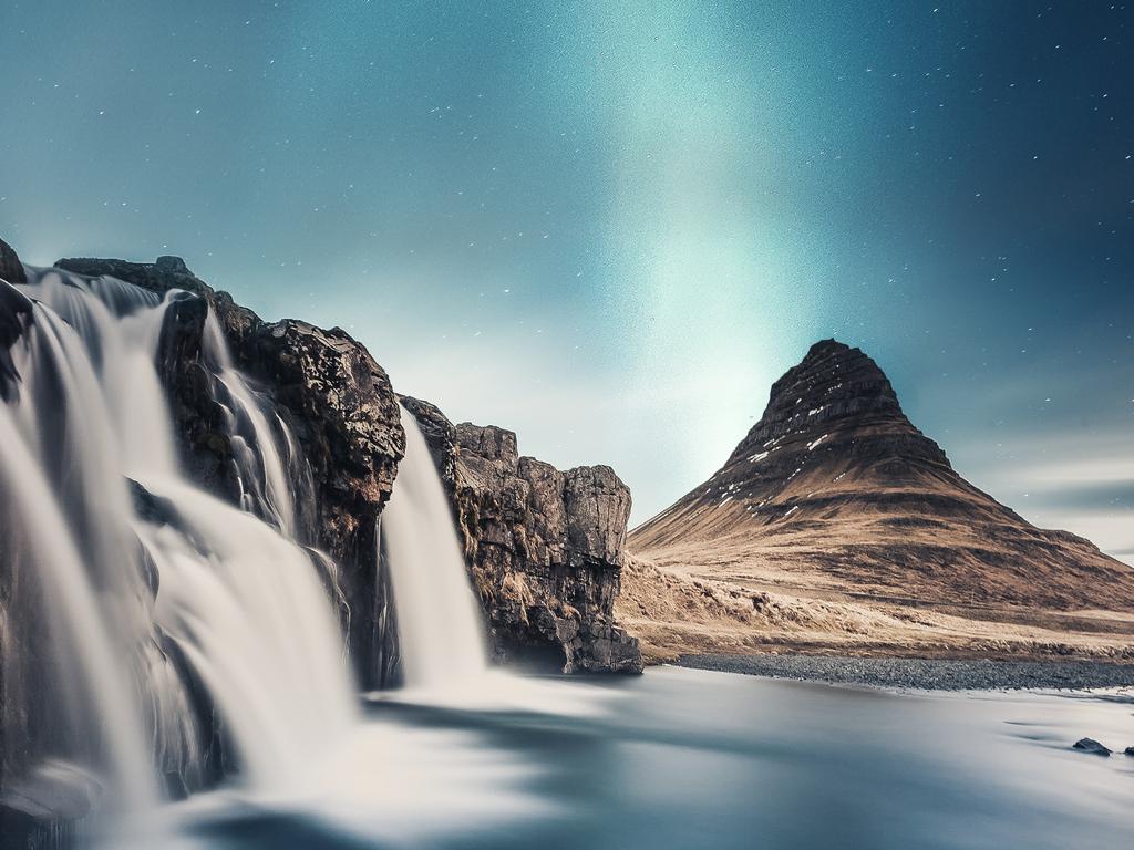 long-exposure-waterfall-landscape-stars-5k-fr.jpg
