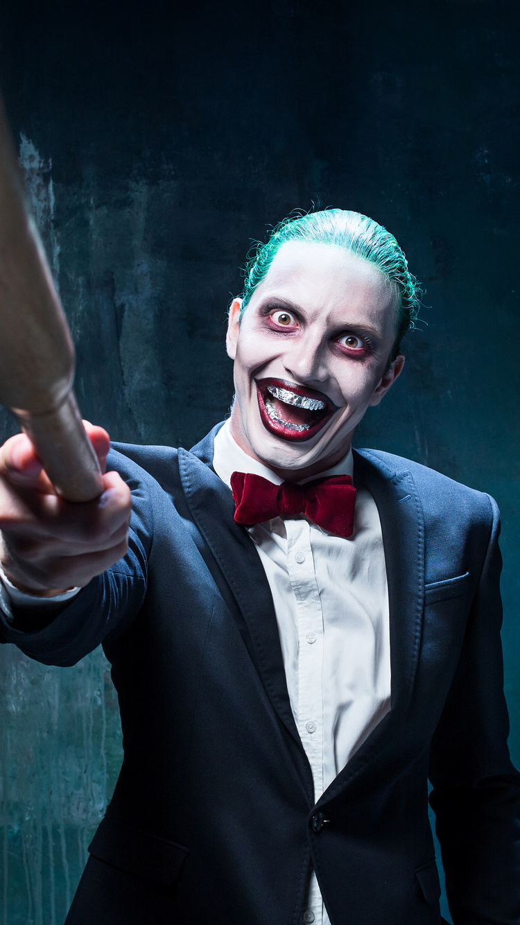 mad-joker-with-baseball-cosplay-r7.jpg