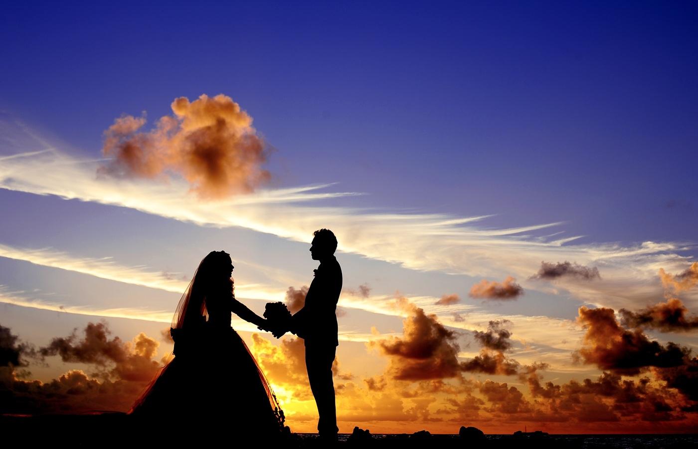 maldives-sunset-married-couple-w0.jpg