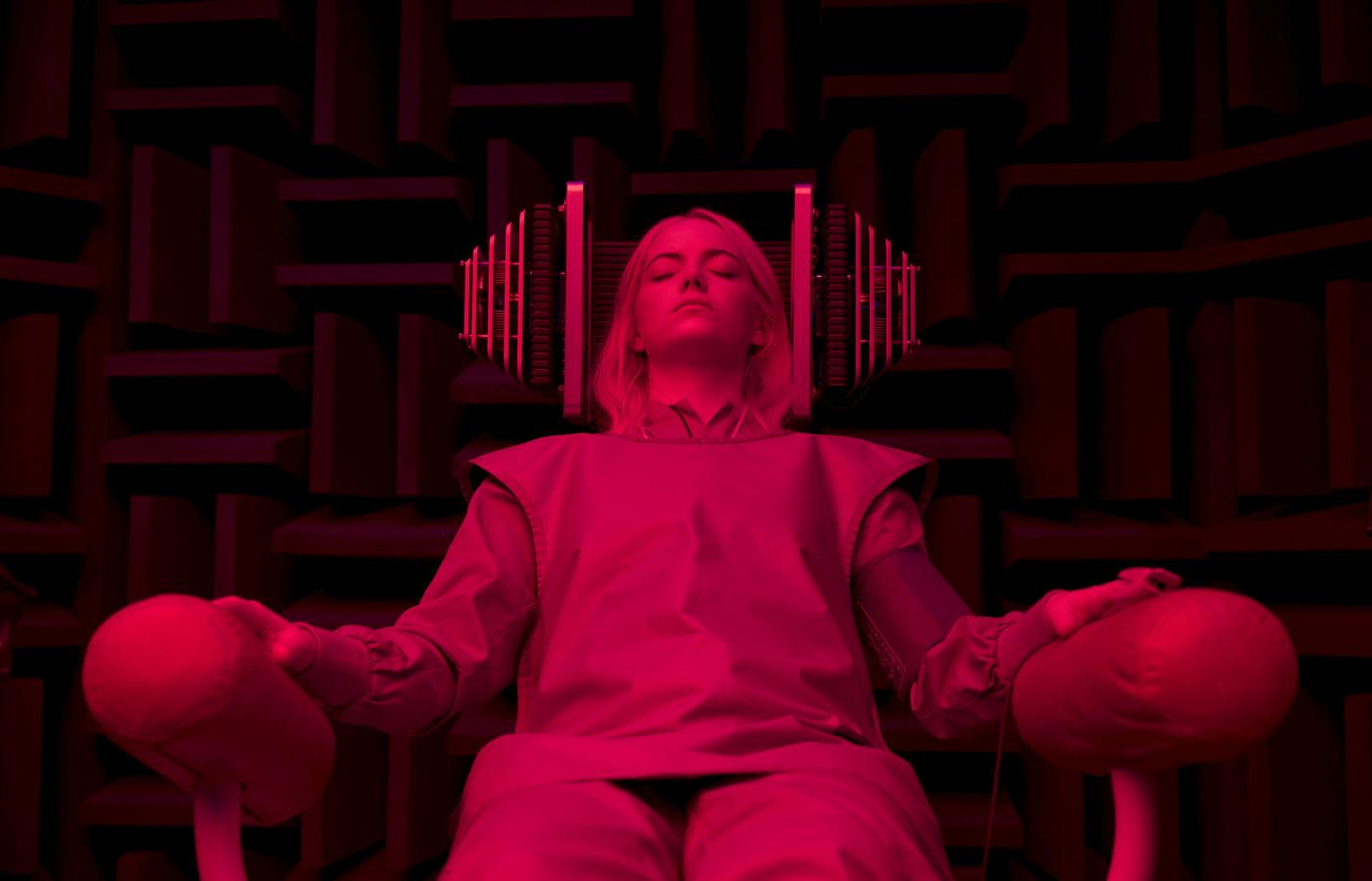 maniac-2018-tv-show-emma-stone-julia-garner-5k-9j.jpg