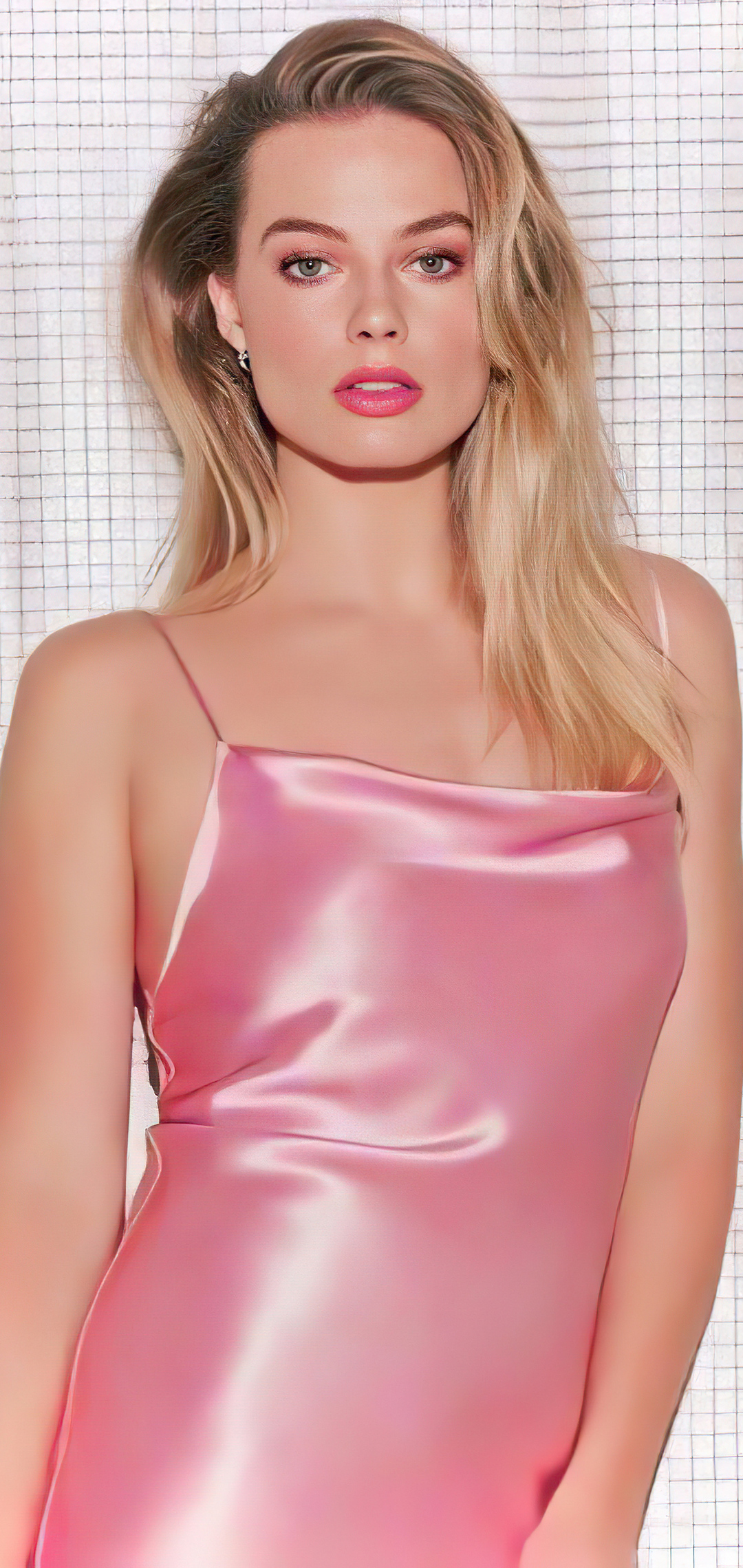 margot-robbie-in-pink-dress-4k-ny.jpg