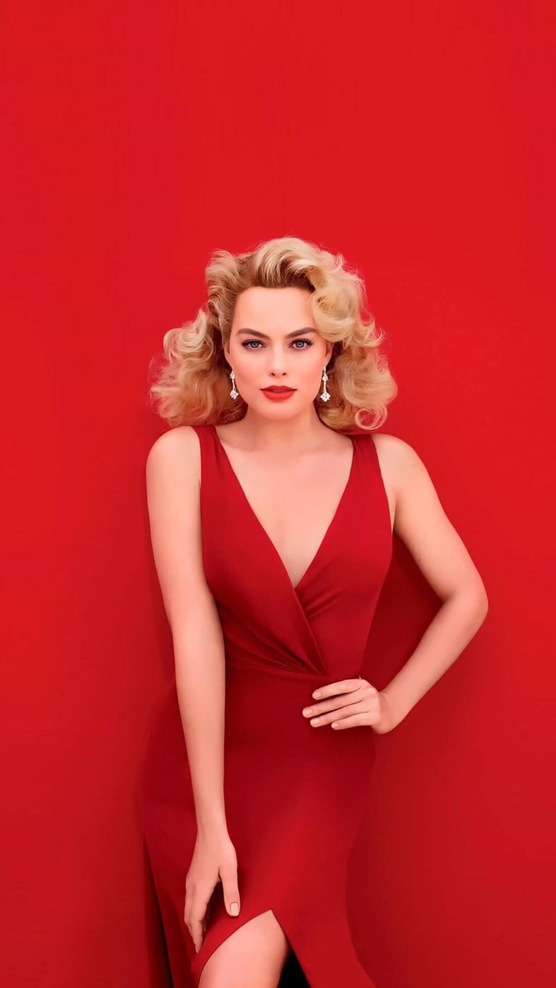 margot-robbie-in-red-dress-img.jpg