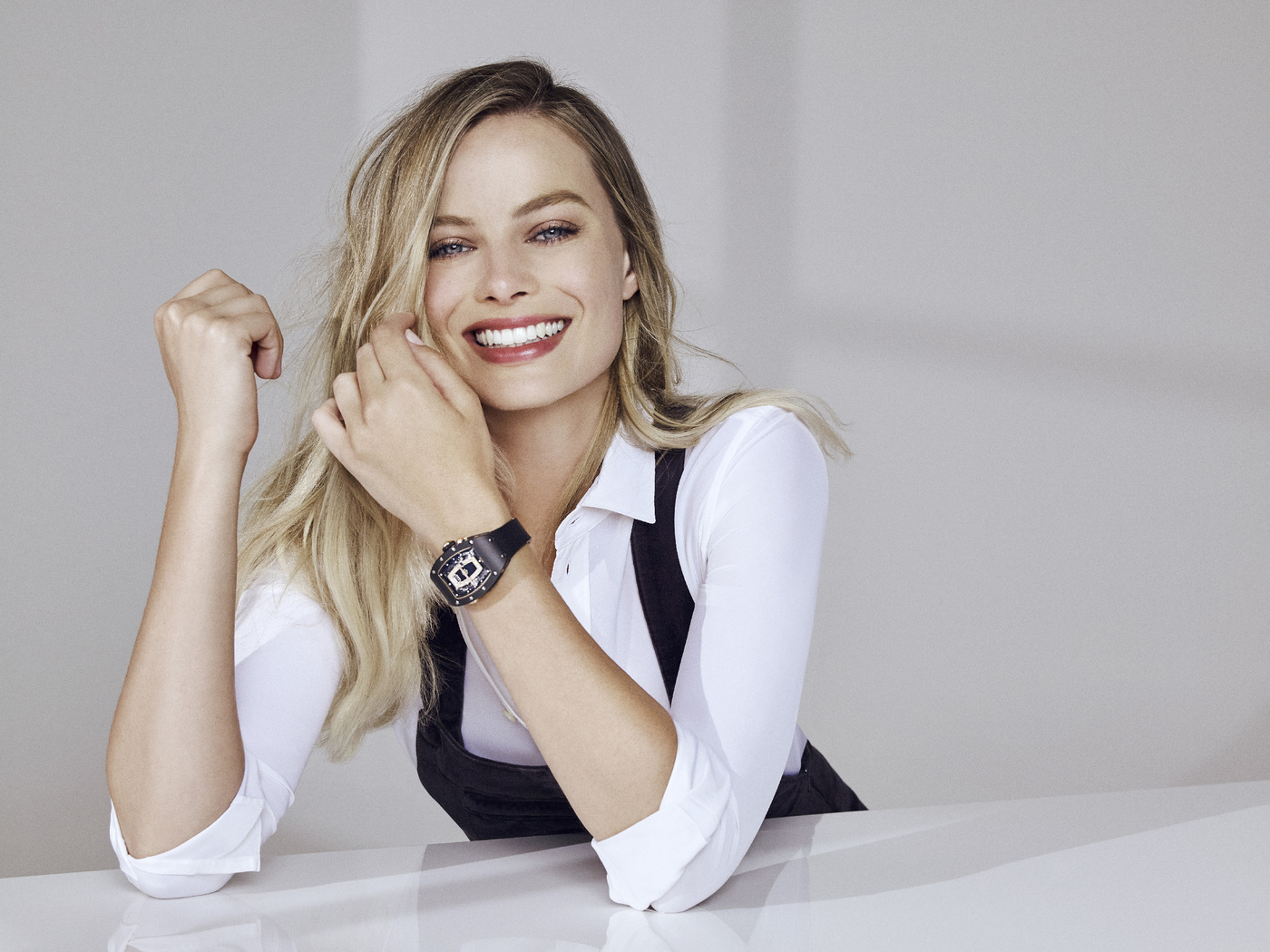 margot-robbie-richard-mille-campaign-2019-h2.jpg