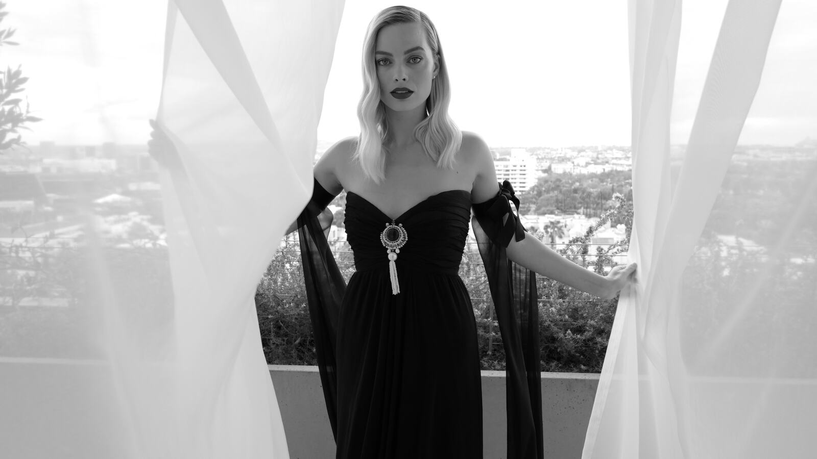margot-robbie-vogue-uk-oscar-4k-s5.jpg