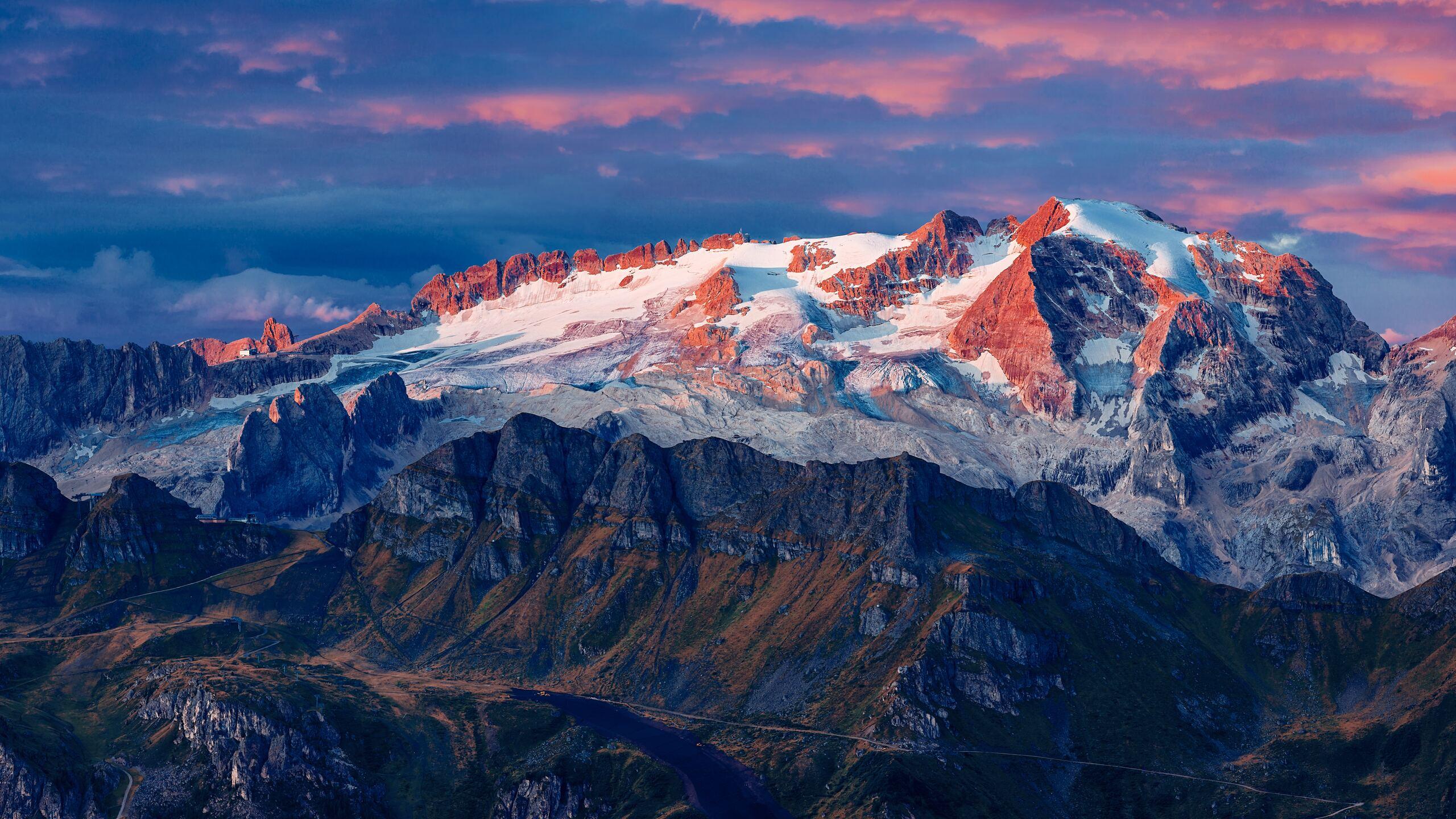 marmolada-glacier-in-italy-8k-6v.jpg