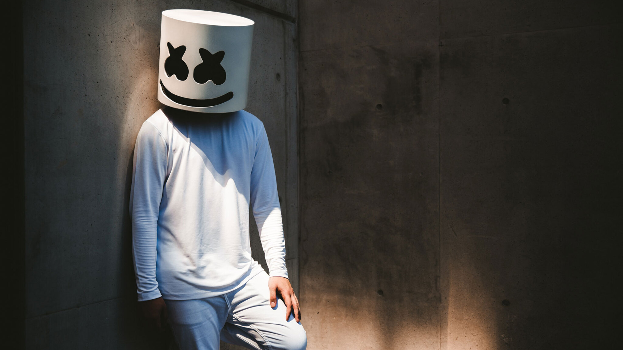 Download Marshmello Alone HD 4k Wallpapers In 2048x1152 Screen Resolution