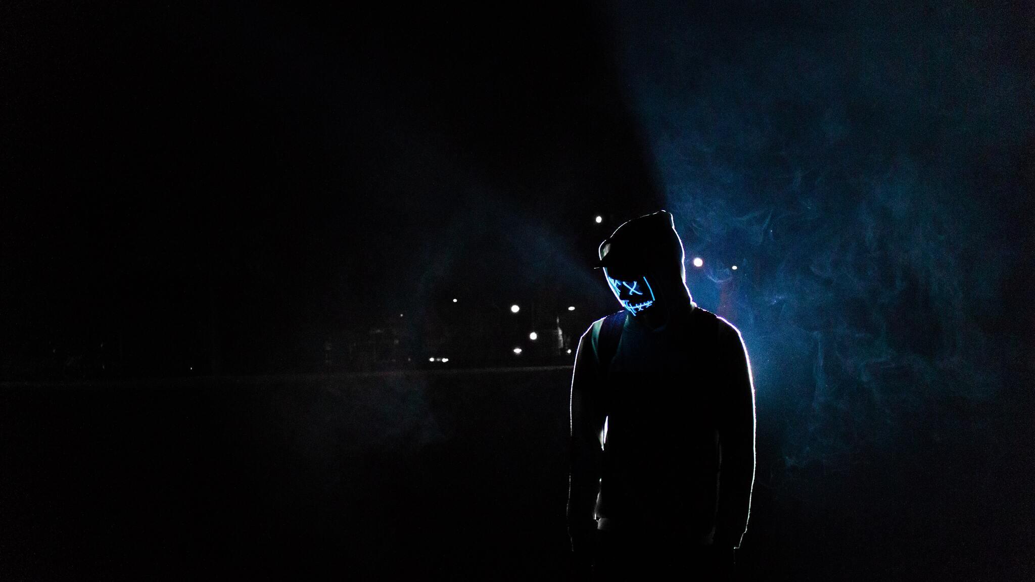 mask-guy-5k-tv.jpg