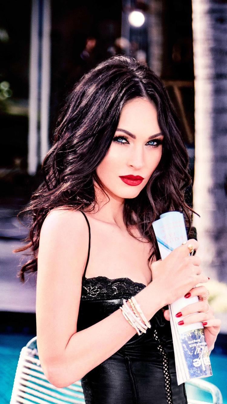 750x1334 Megan Fox 2019 Iphone 6 Iphone 6s Iphone 7 Hd 4k