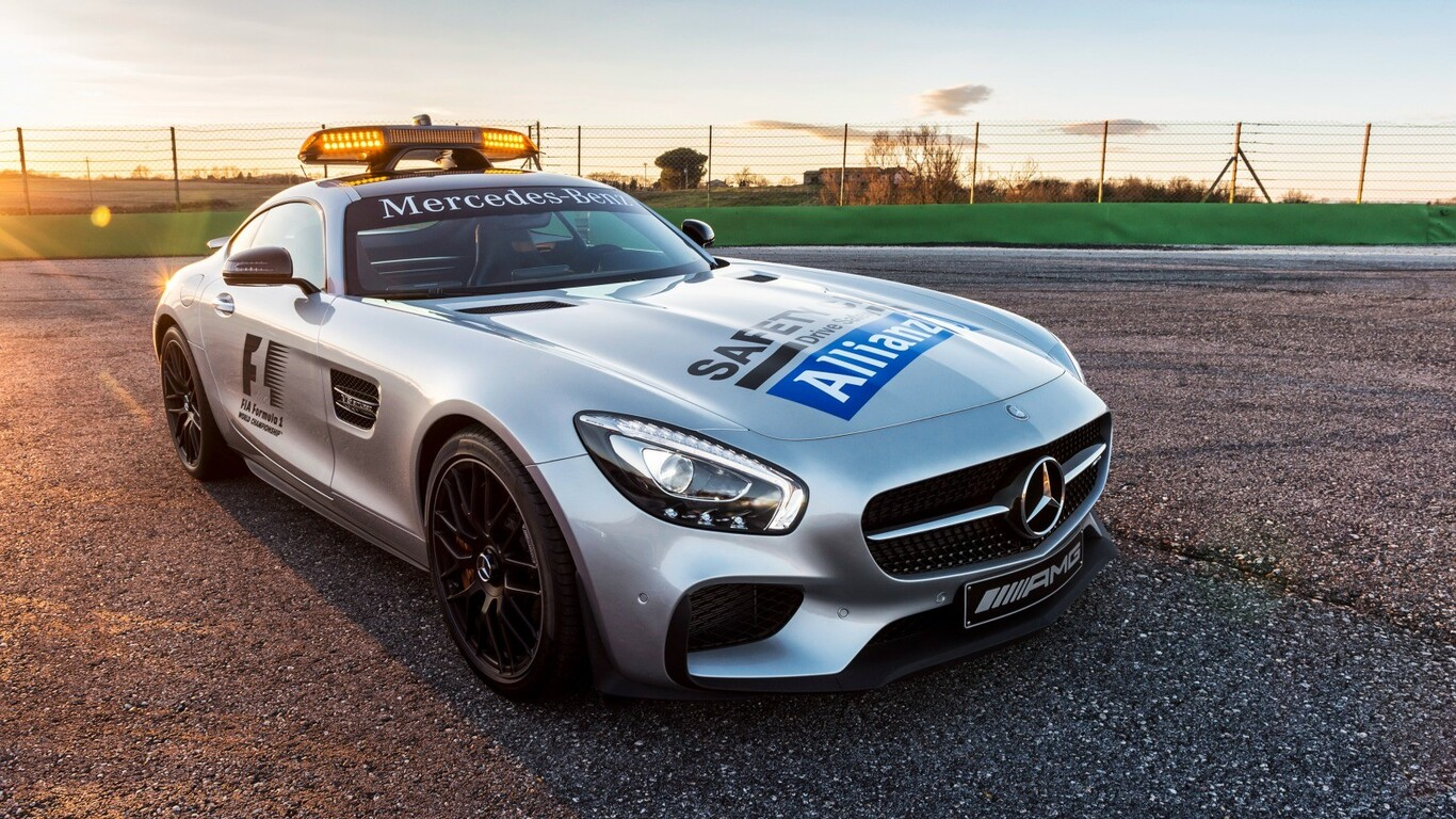 Mercedes Benz Safety Car Wallpaper