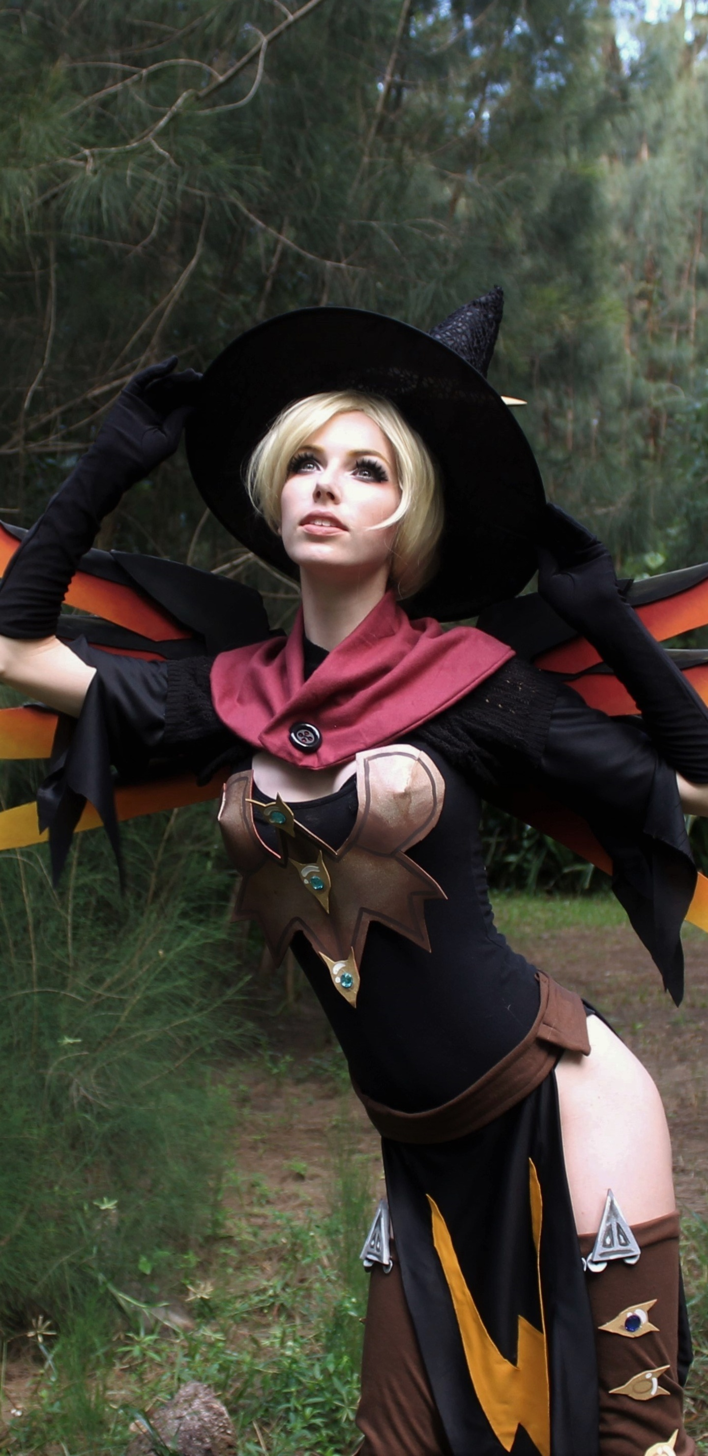 mercy-overwatch-cosplay-4k-ig.jpg