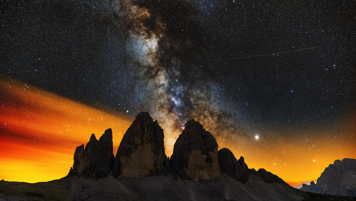 milky-ways-setting-behind-the-tre-cime-di-lavaredo-8k-b7.jpg