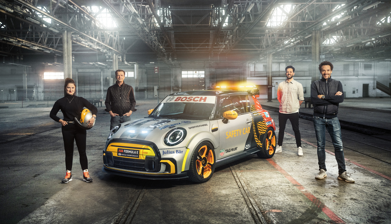 mini-electric-pacesetter-2021-team-t4.jpg
