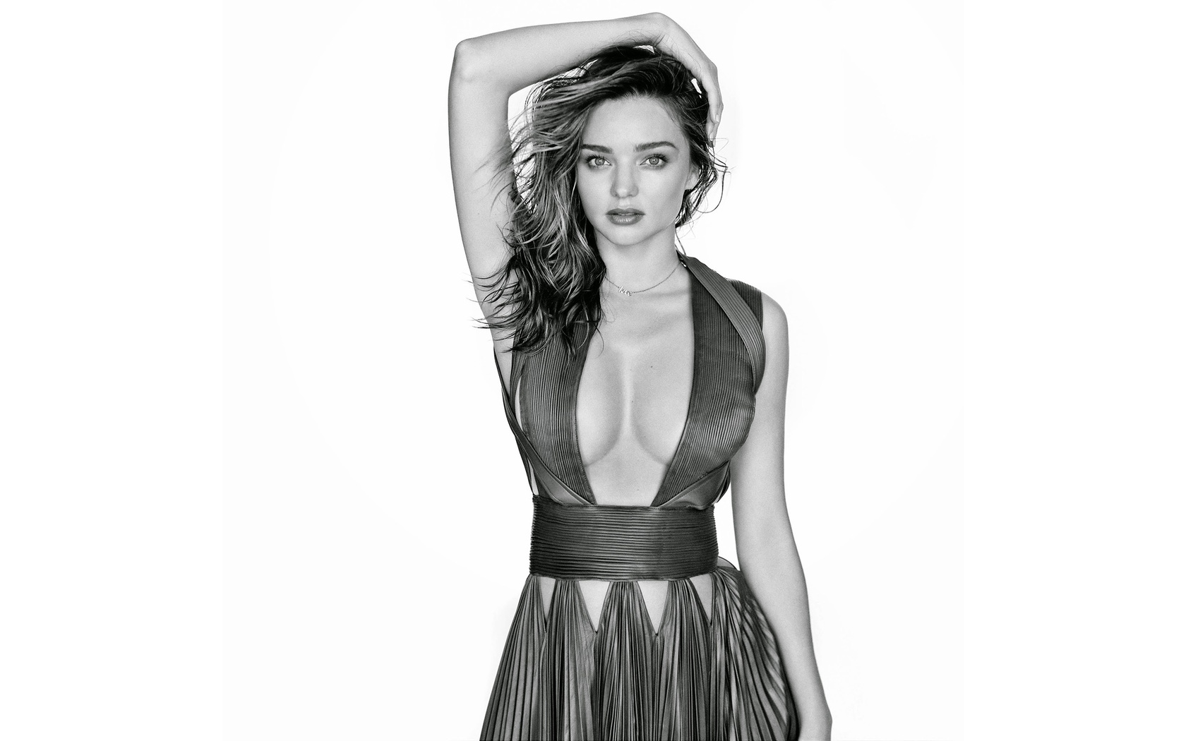 miranda-kerr-black-and-white-fv.jpg