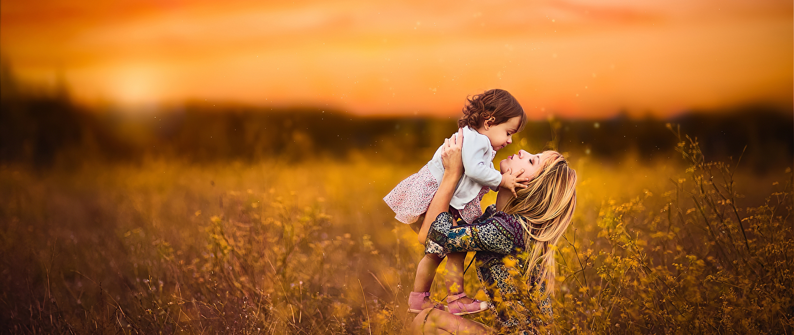 mom-with-little-daughter-o7.jpg