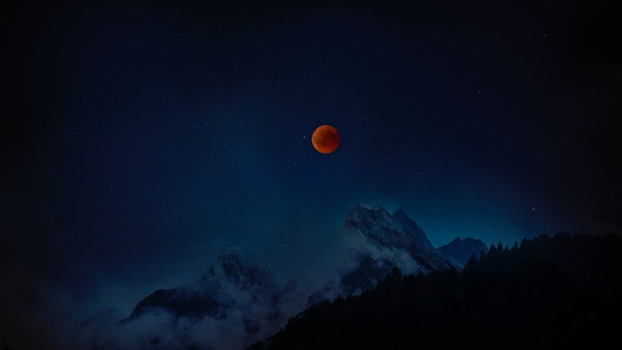 moon-eclipse-8k-cb.jpg