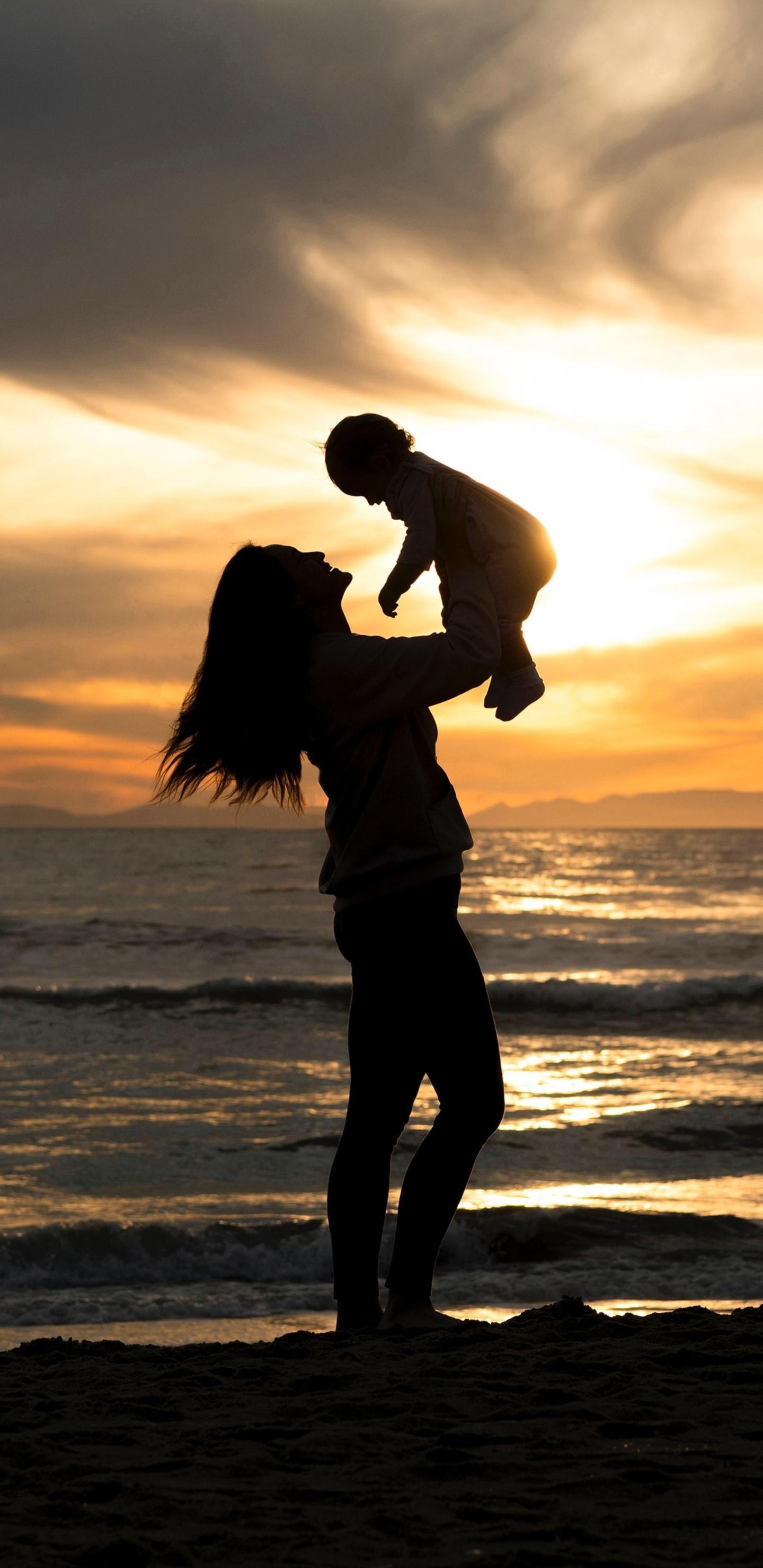 mother-love-4k-1u.jpg