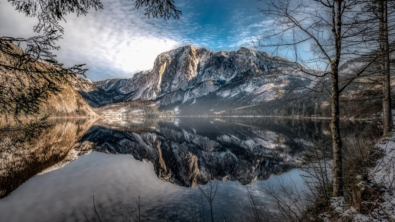 mountains-lake-austria-scenery-5k-gb.jpg