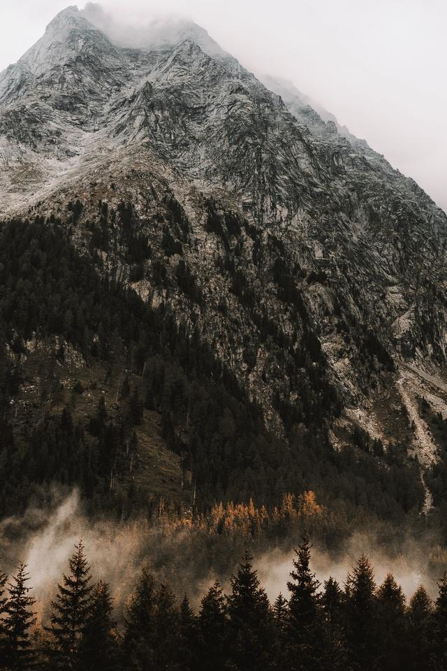 mountains-peak-landscape-rocks-snow-trees-5k-p0.jpg