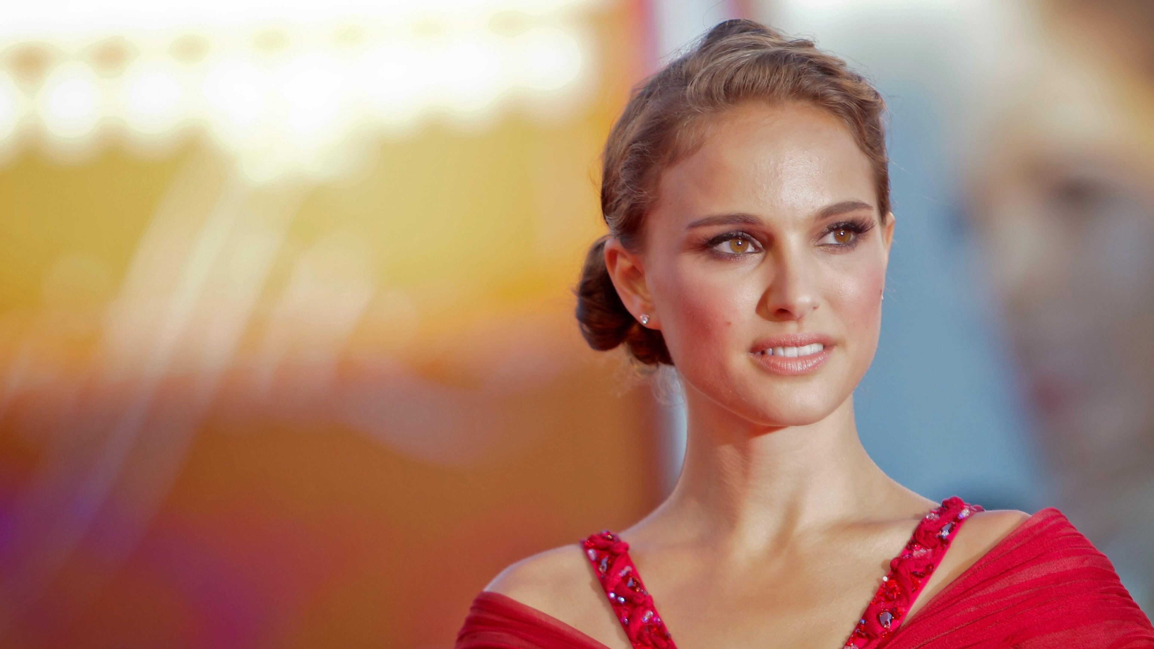 Natalie Portman Wallpapers - GeekShizzle