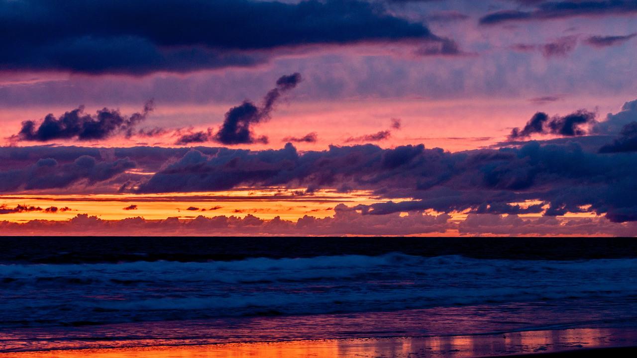 nature-photography-ocean-seascape-silhouette-sky-sunset-water-waves-4k-ug.jpg