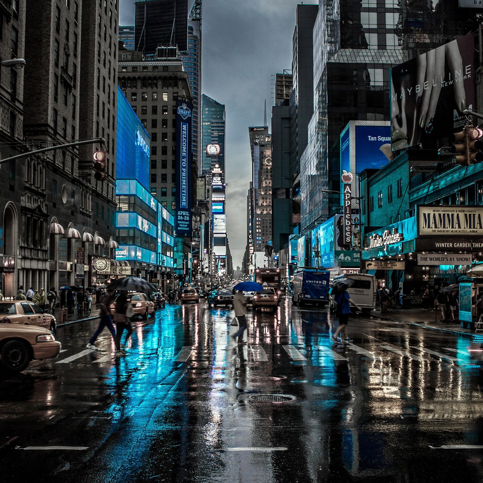 2048x2048 New York City Street Reflection Motion Blur Dark ...