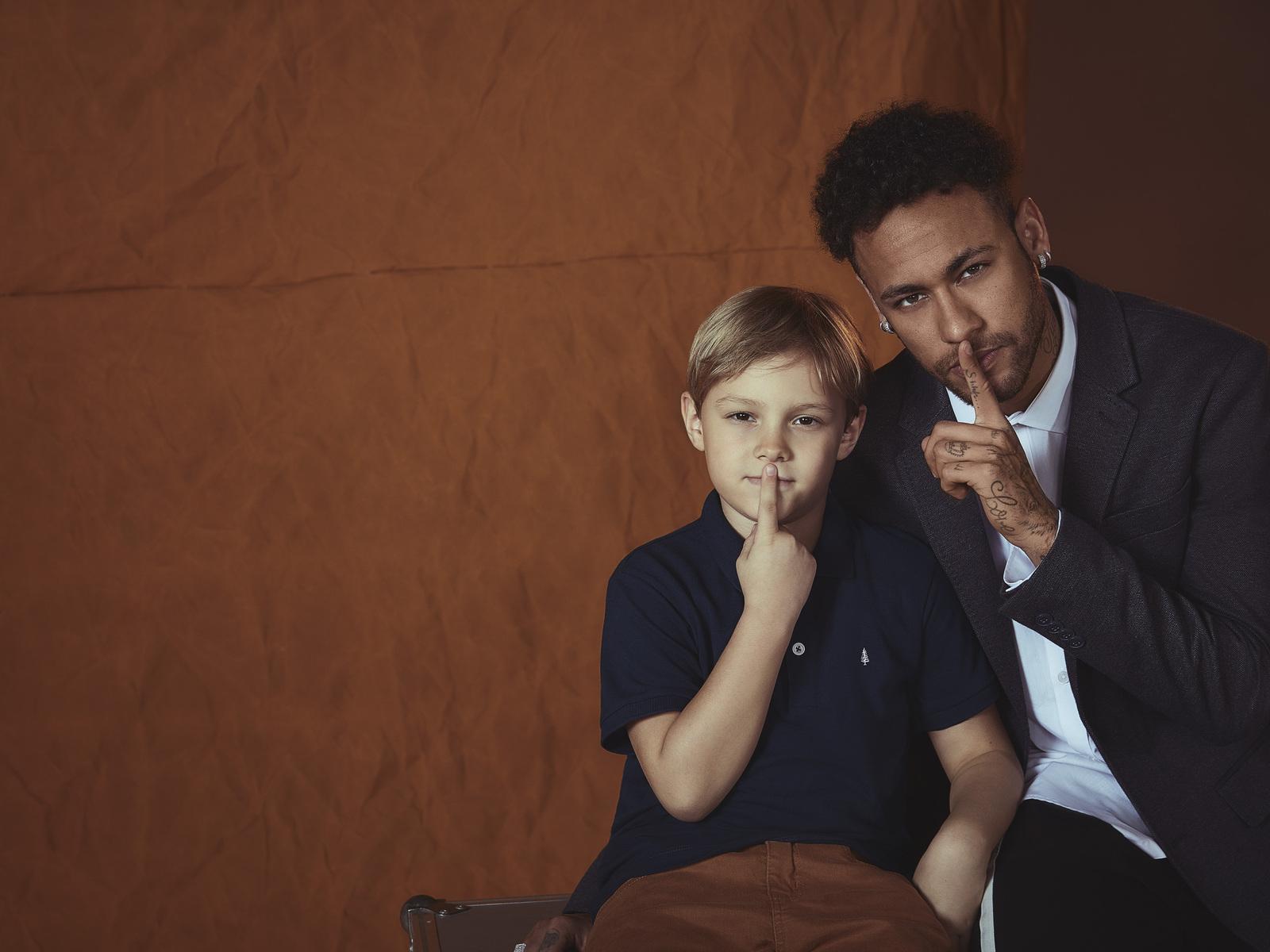 neymar-with-his-son-0t.jpg
