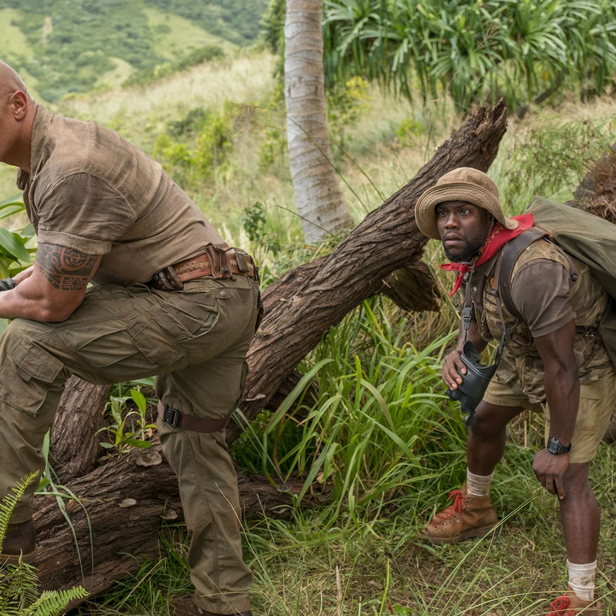 nick-jonas-kevin-hart-dwayne-johnson-jumanji-welcome-to-the-jungle-movie-92.jpg