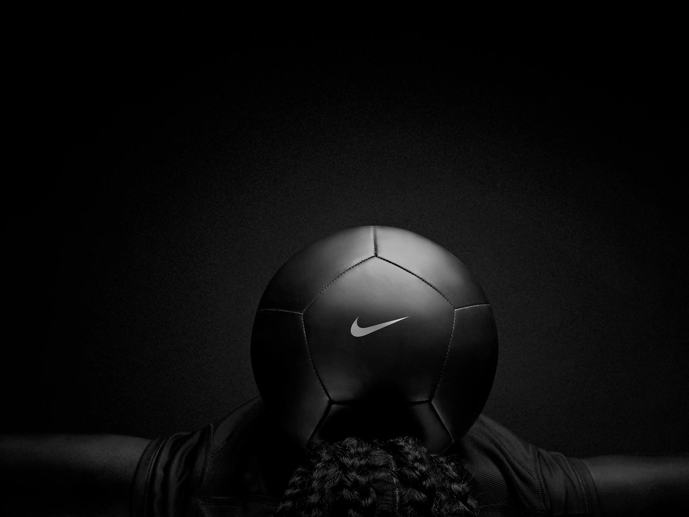 nike-black-play-football-ev.jpg