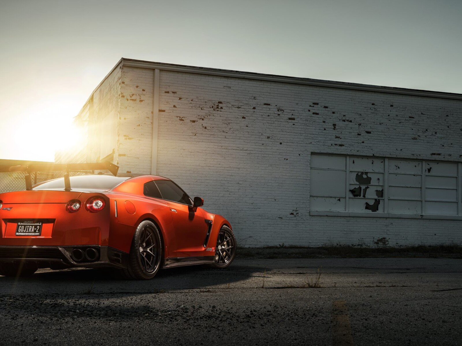 оранжевые спортивный автомобиль Nissan Skyline GTR R35  № 613272 без смс