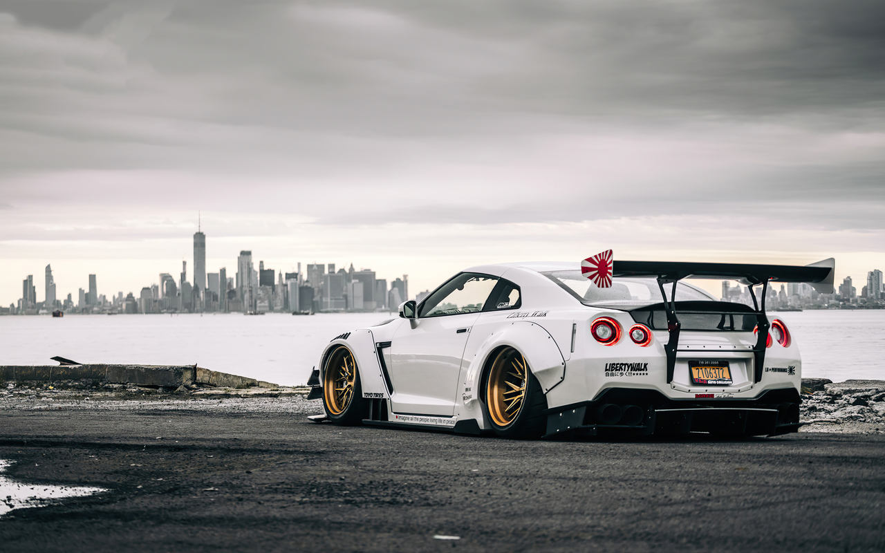 nissan-gtr-in-new-york-l4.jpg