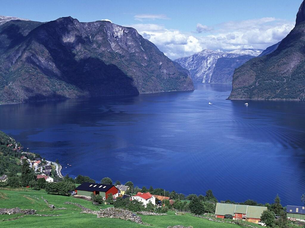 norway-aurlandsfjord.jpg