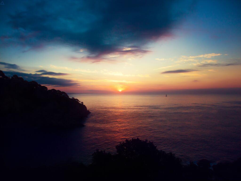 ocean-beach-sunset-9k.jpg