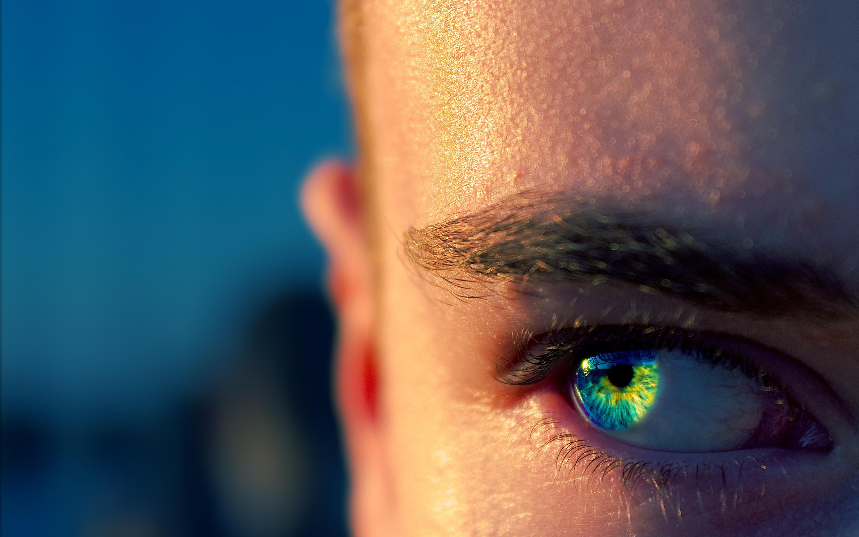 person-eye-macro-4m.jpg
