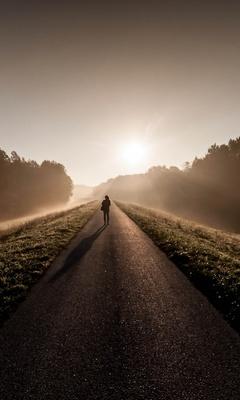 person-standing-between-road-g0.jpg
