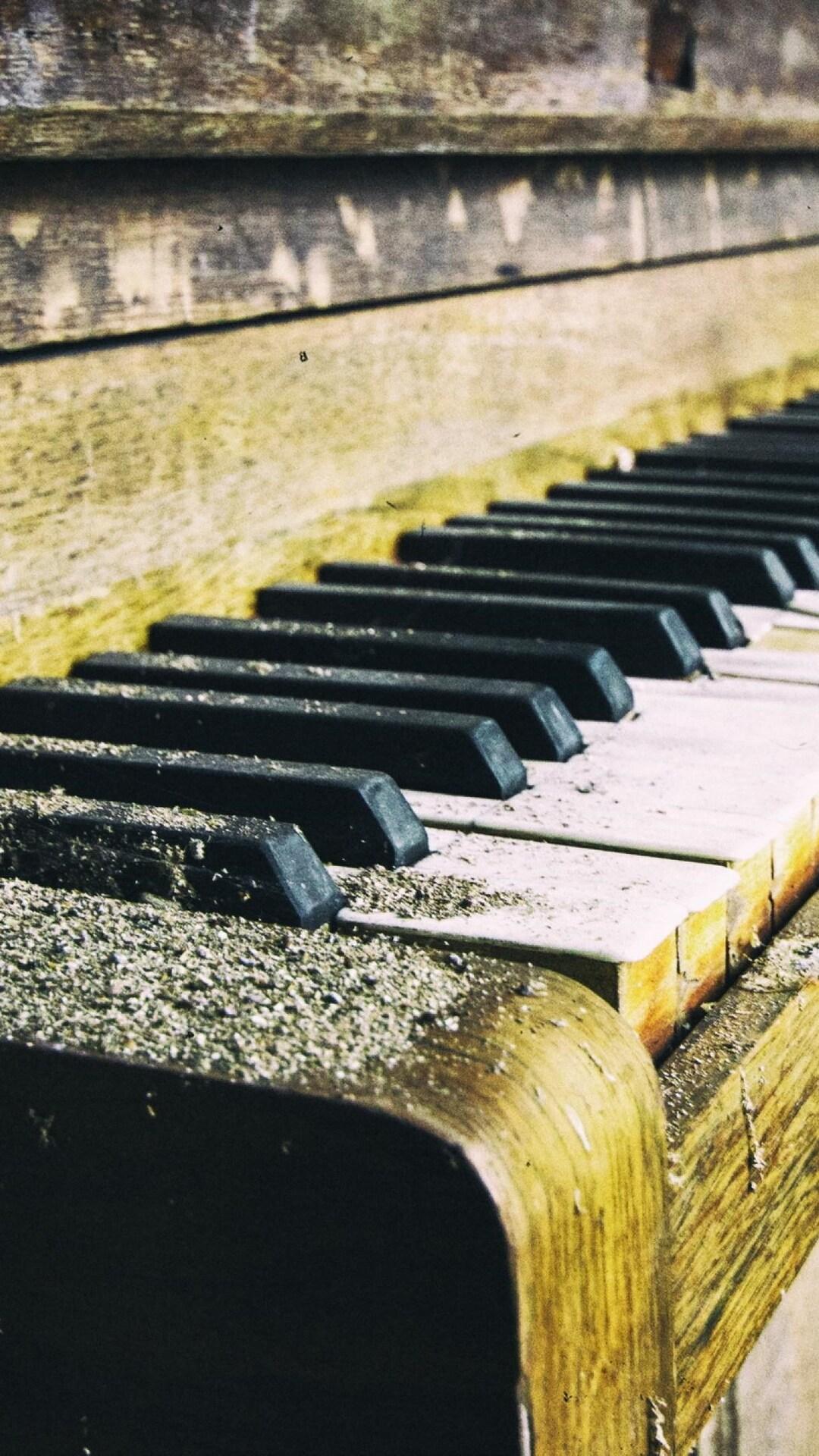 piano-old.jpg