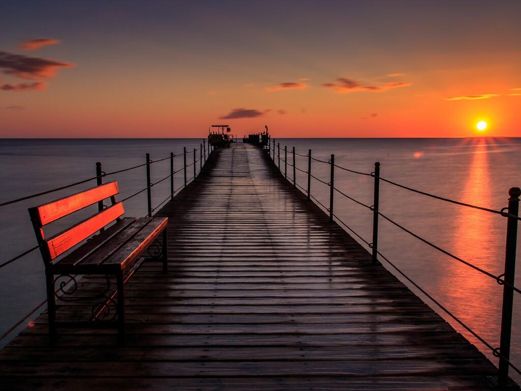 pier-bench-sunset-5k-p3.jpg