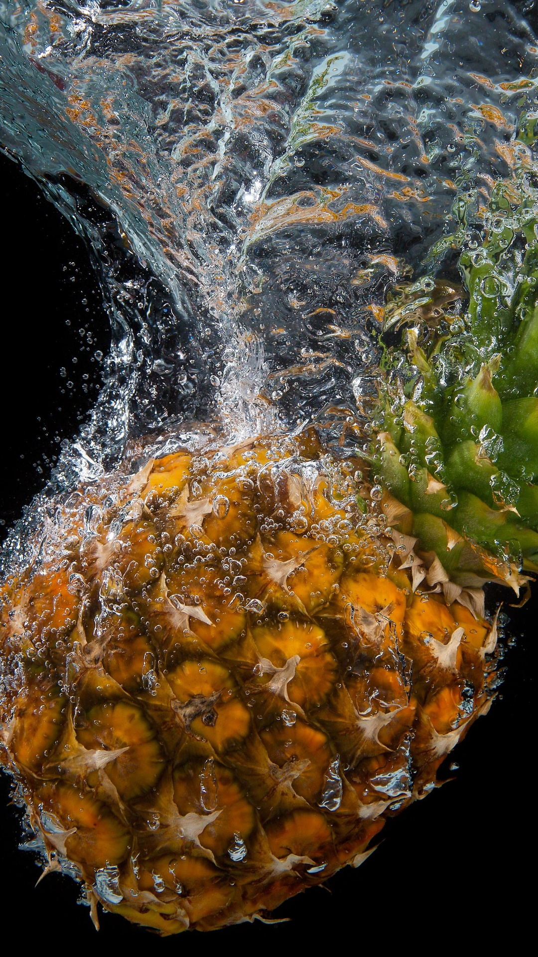 pineapple-water-splash-5k-3k.jpg