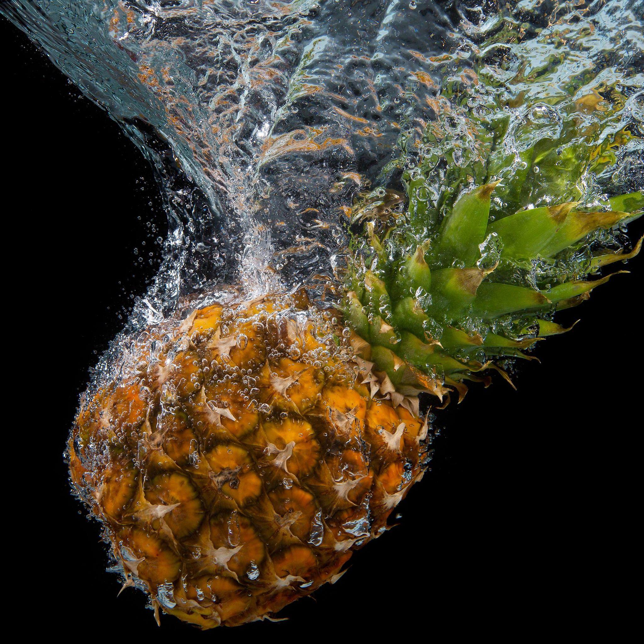 pineapple-water-splash-5k-3k.jpg