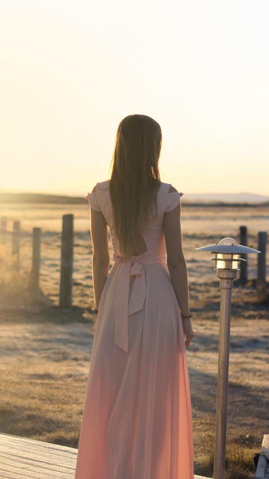 pink-dress-sunset-light-5k-6s.jpg