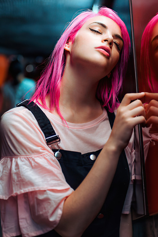 pink-hair-girl-eyes-closed-4k-4s.jpg