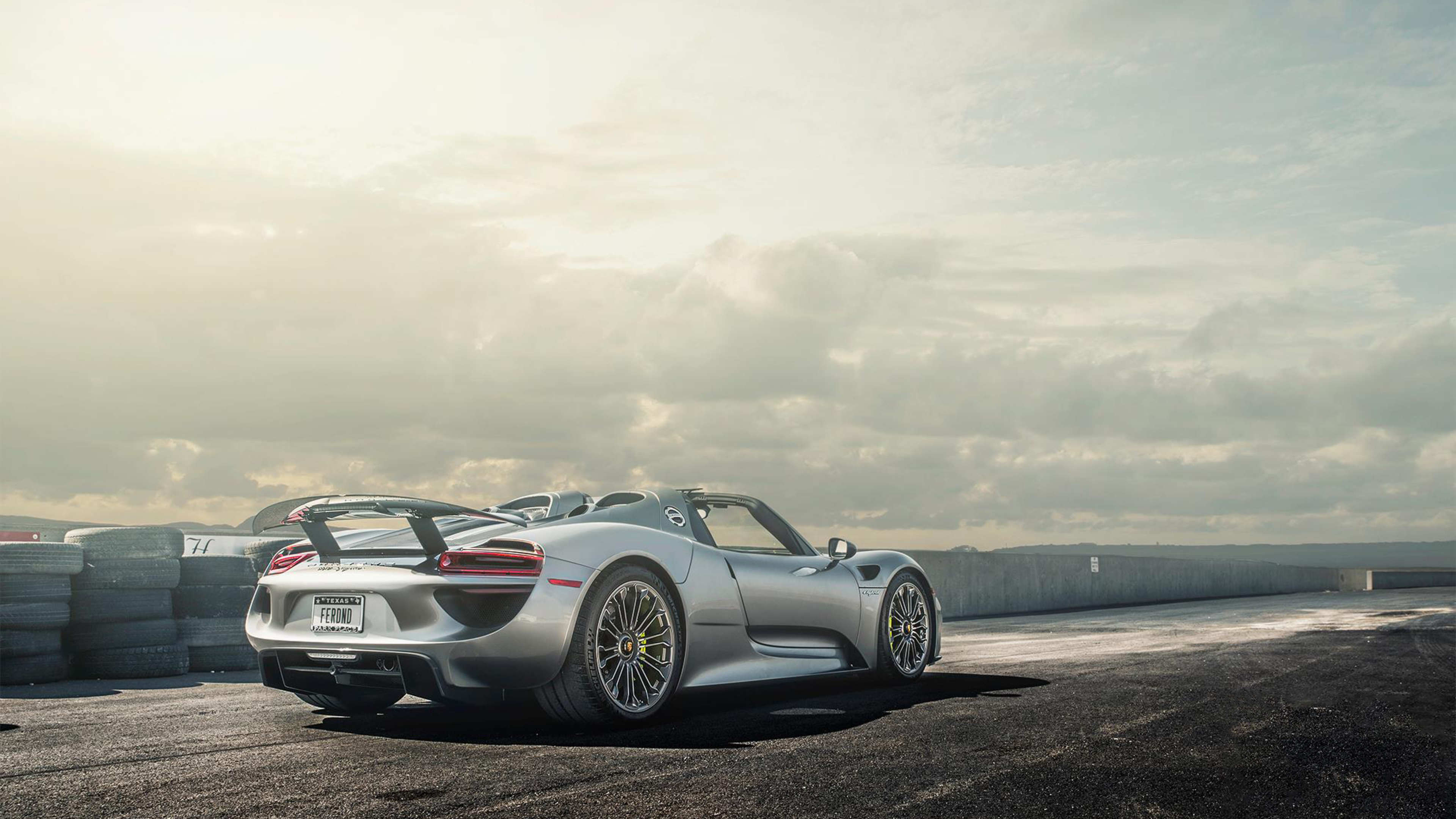 porsche 918 spyder iphone wallpaper porsche 918 spyder. Black Bedroom Furniture Sets. Home Design Ideas