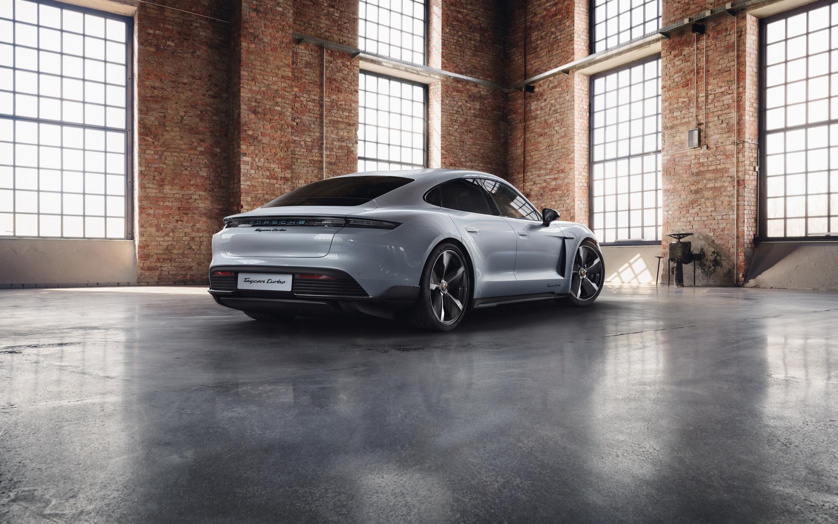 porsche-taycan-turbo-sportdesign-8k-mu.jpg
