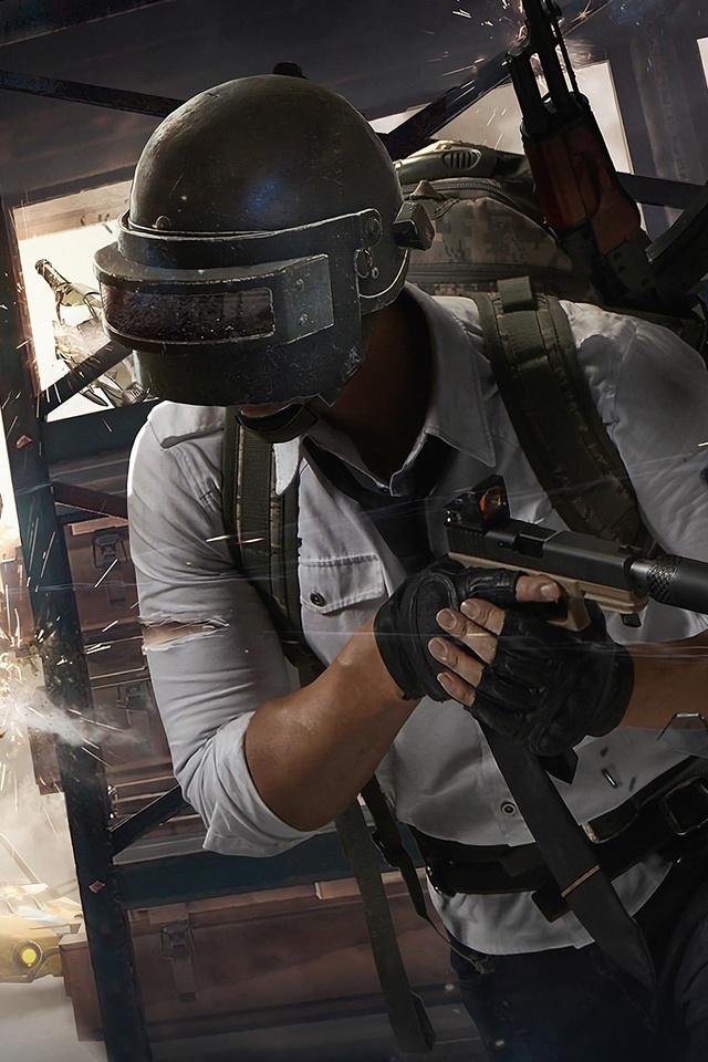 pubg-helmet-guy-2018-4k-00.jpg