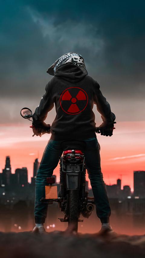 radio-active-biker-4k-c0.jpg