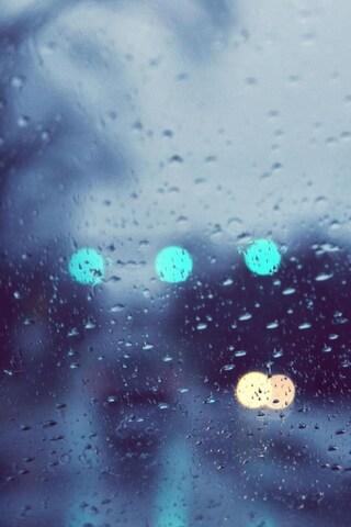 rain-glare-glass-drops.jpg