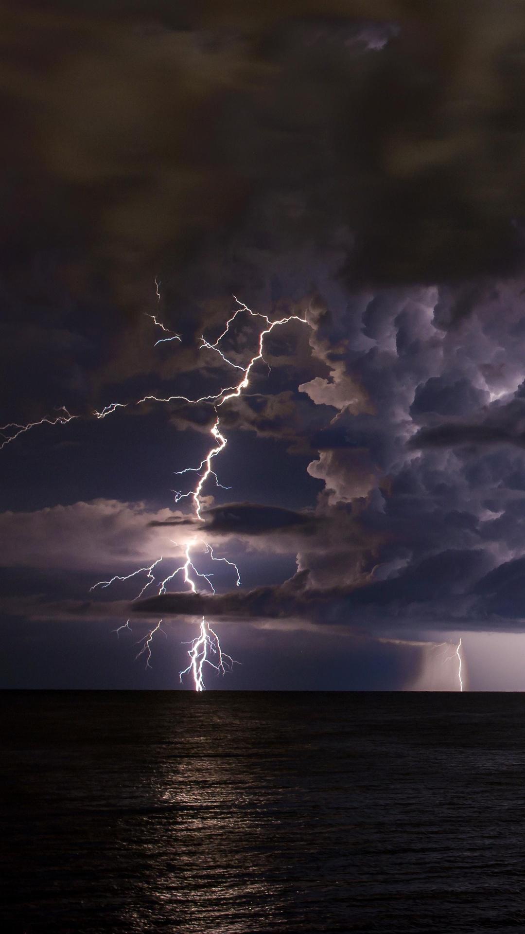rain-shower-lightning-5k-8d.jpg