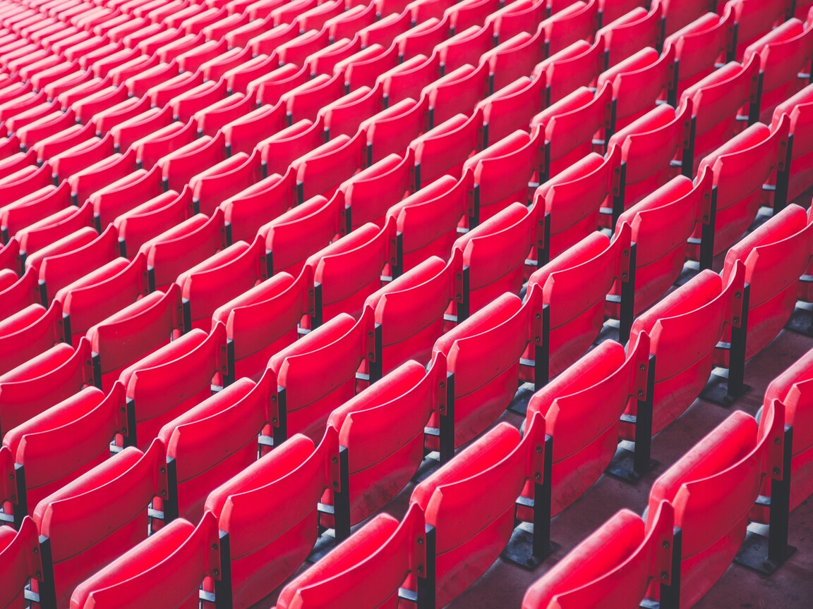 red-chairs-pattern-5k-cv.jpg